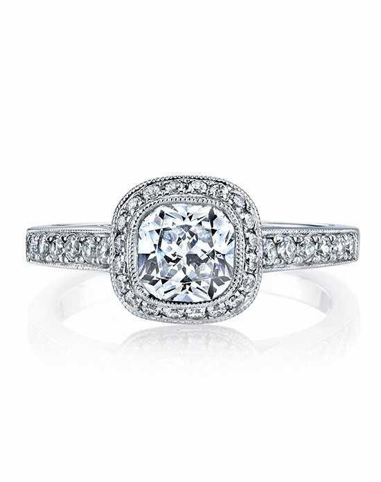 MARS Fine Jewelry Cushion Cut Engagement Ring