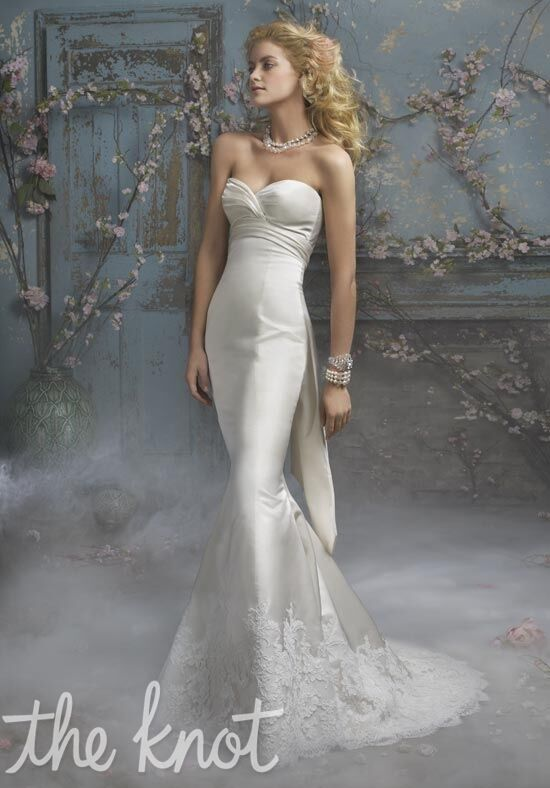 Alvina Valenta 9002 Wedding Dress