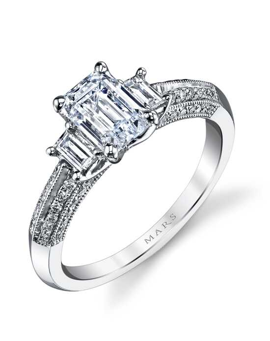 MARS Fine Jewelry Elegant Emerald Cut Engagement Ring