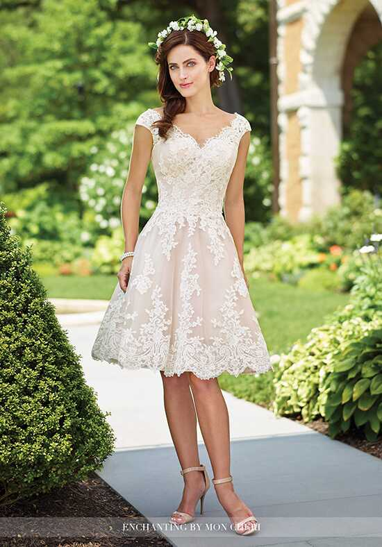 Short wedding dresses for Wedding dress for petite women