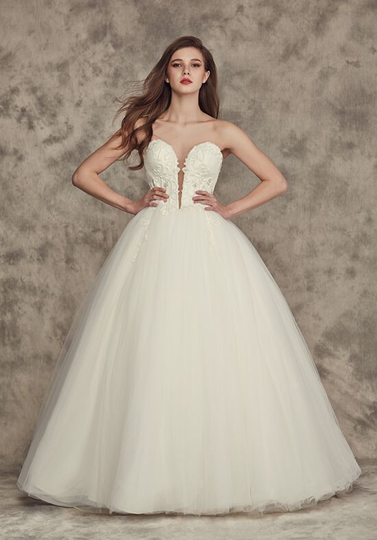 Calla blanche 16249 lesley wedding dress the knot for Calla blanche wedding dress