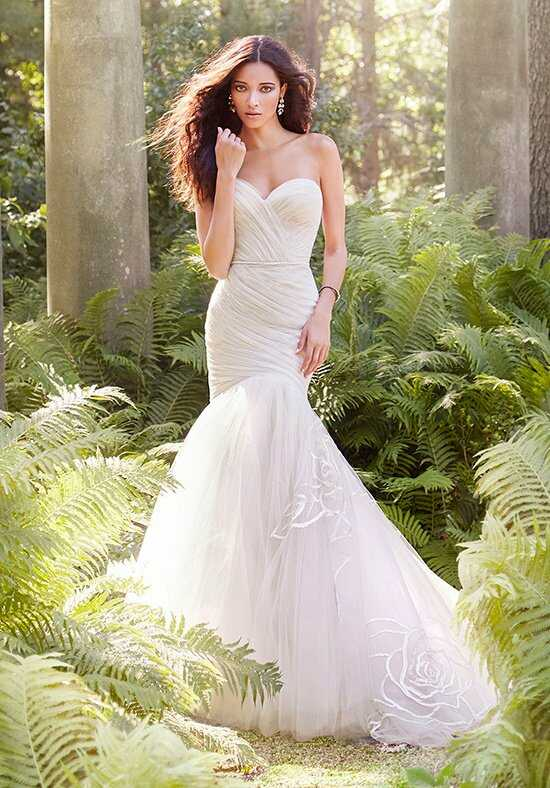 Jim Hjelm 8551 Wedding Dress photo