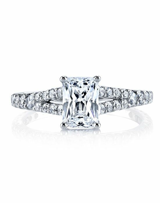 MARS Fine Jewelry Emerald Cut Engagement Ring
