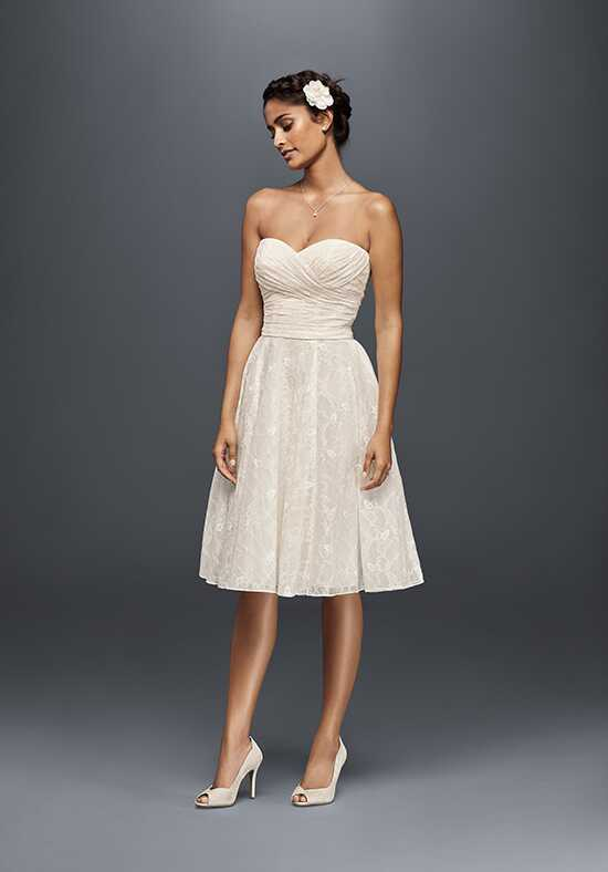 David's Bridal Galina Style WG3826 A-Line Wedding Dress