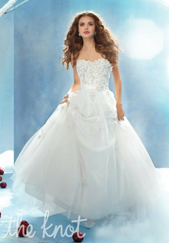 Alfred angelo disney fairy tale weddings bridal collection 207 snow alfred angelo disney fairy tale weddings bridal collection 207 snow white wedding dress junglespirit Image collections