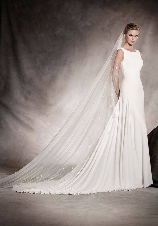 PRONOVIAS AMAYA Sheath Wedding Dress