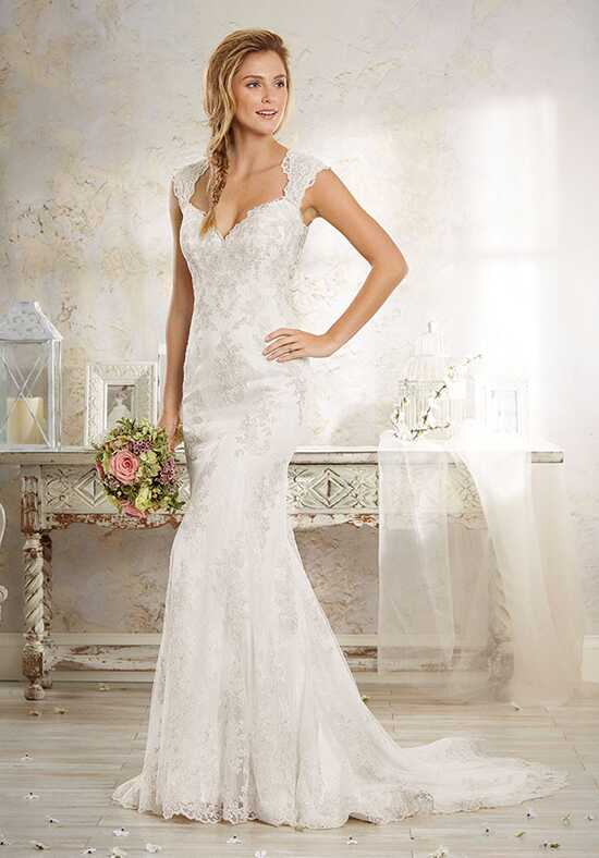 Alfred Angelo Modern Vintage Bridal Collection 8551 Wedding Dress