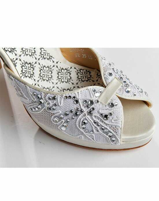 Hey Lady Shoes Off the Market w/crystals Shoe