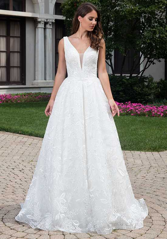 Lo' Adoro M623 Ball Gown Wedding Dress