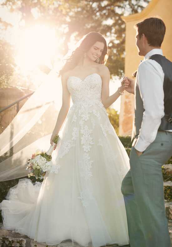 Essense of Australia D2121 Wedding Dress photo