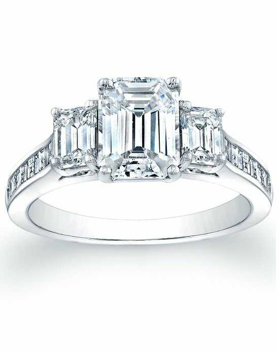 Since1910 Elegant Emerald Cut Engagement Ring