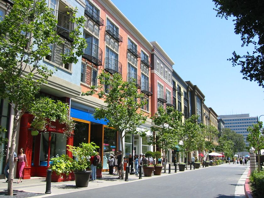 Oct 09, · Santana Row in San Jose, is an upscale and first class destination which masterfully blends touches of European and California culture and architecture. More than a place to dine, drink and shop, it is a place that invites exploration as well as relaxation/5().