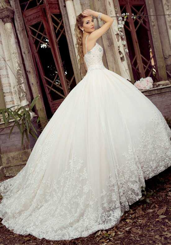 Ysa Makino KYM69 Wedding Dress photo