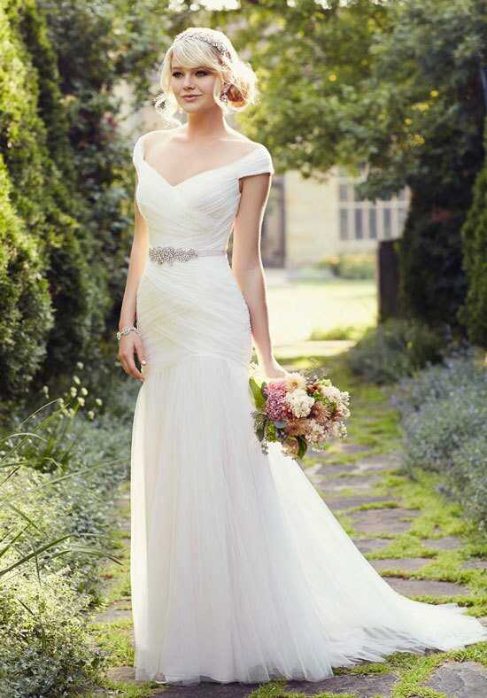 Essense of Australia D1802 Sheath Wedding Dress