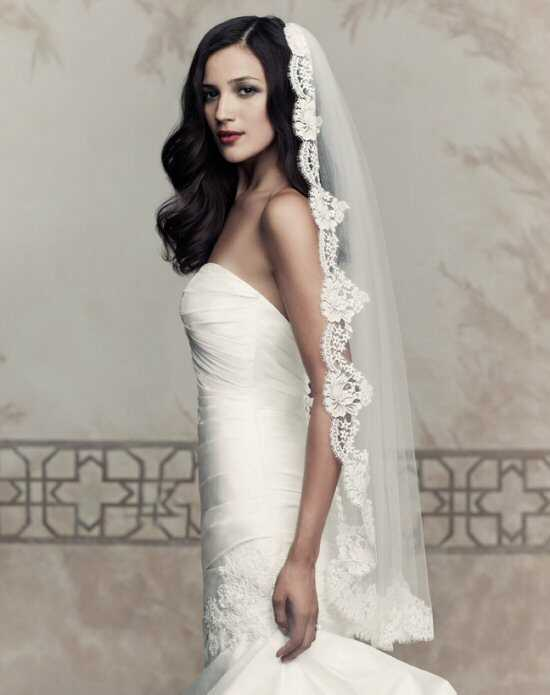 Paloma Blanca Veils Collection V432F Ivory Veil