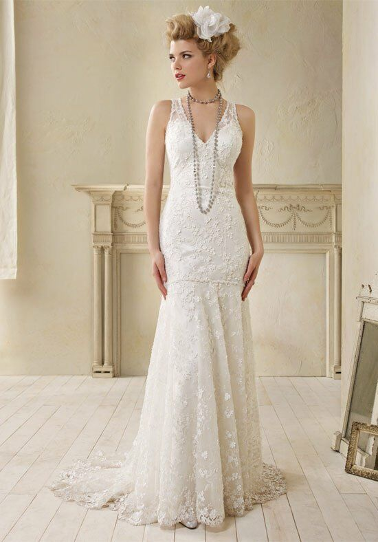 Alfred Angelo Signature Bridal Collection 8507 Sheath Wedding Dress