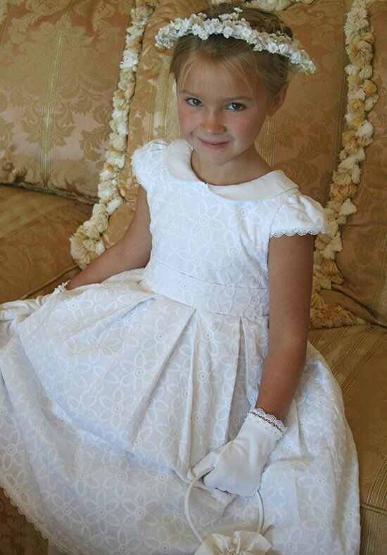 Isabel Garretón Bountiful White Flower Girl Dress