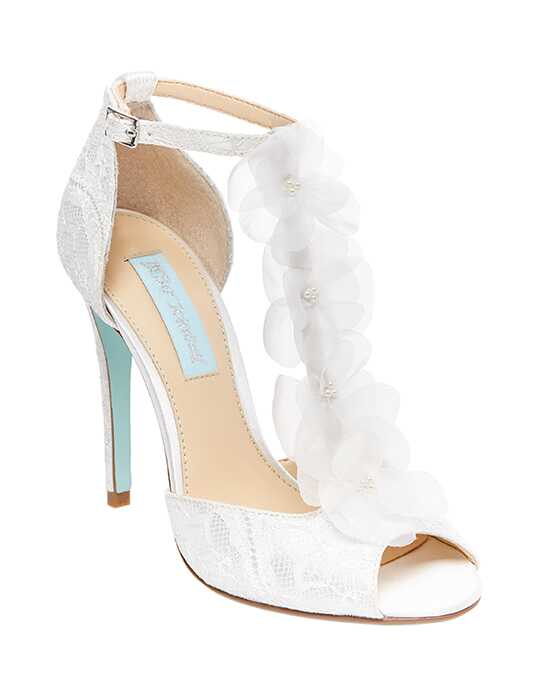 Blue by Betsey Johnson SB-SADIE Ivory Shoe