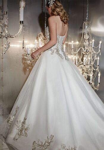 how much to charge for a wedding cake uk wu 15534 wedding dress the knot 15534