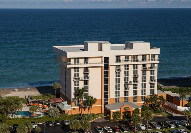 Courtyard Marriott Hutchinson Island Fl Oceanfront Suite